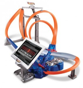 Hot Wheels® Triple Track Twister™ Track Set风火轮三轨道遥控电动车