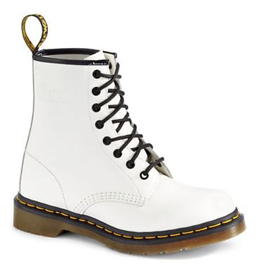 The Bay 热卖新潮Dr. Martens马丁靴,  最低6.5折