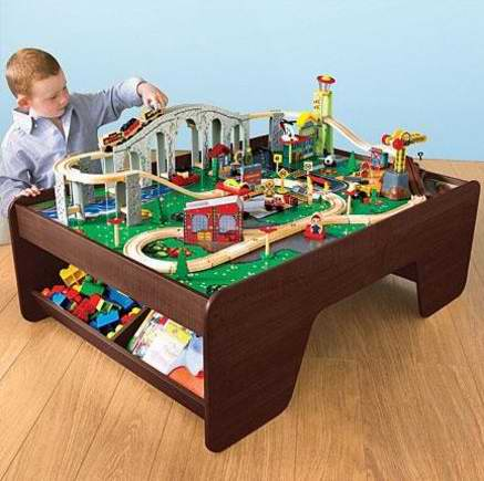 帮助孩子了解城市生活的方方面面!KidKraft Train Town Set 木质火车小镇玩具套装5.4折 54元特卖并包邮!