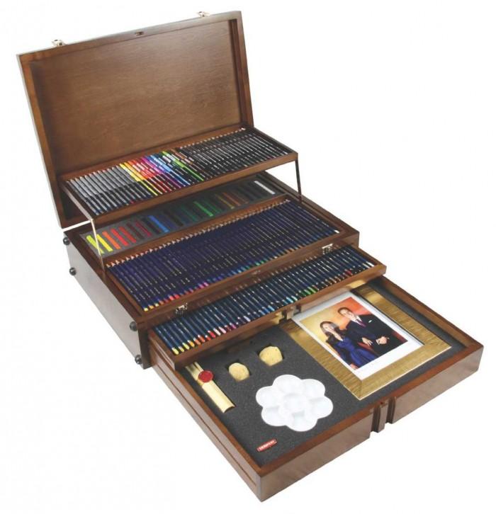 限量版,Derwent 2300477 英国威廉王子世纪婚礼纪念版150支画材套装 269.99元特卖,原价1651.09元,包邮