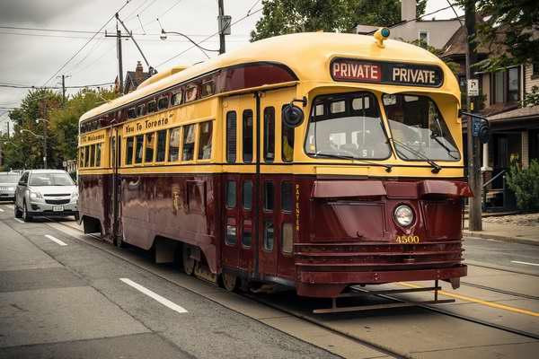 Downtown湖滨区福利!今日起每周日中午12时-下午5时可免费搭乘TTC 509路老式复古有轨电车