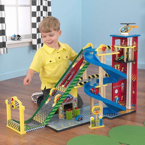 KidKraft 大型超级赛车场玩具套装 94.99加元,原价 129.99加元,包邮