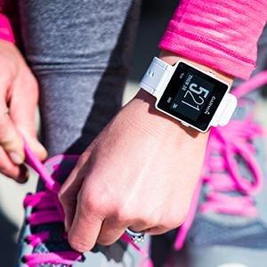 历史最低价!Garmin Vivoactive GPS 运动智能手表5.1折 169.99元限时特卖并包邮!两色可选!