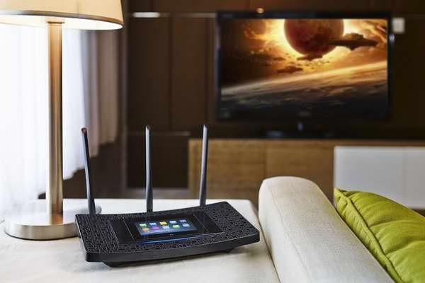 TP-LINK Touch P5 AC1900 超便捷4.3英寸触摸屏双频1900Mbps无线路由器 129.97加元包邮!