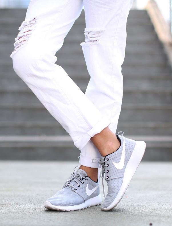 Nike Roshe Run男士时尚休闲慢跑鞋 75元特卖,原价 100元