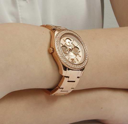 历史最低价上再降37元!Fossil 化石 ES3590 Stella 女士时尚水晶腕表4.5折 75.06元限时特卖并包邮!