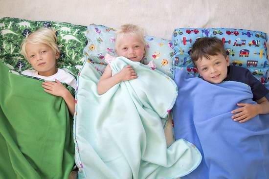 售价大降!历史新低!两款 Wildkin Olive 儿童易洗午睡一体式床垫毯子枕头套装2.2折 20.06-22.75加元限时清仓!