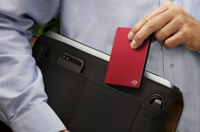 Seagate Backup Plus 希捷2TB USB 3.0桌面移动硬盘 89.92元限时特卖并包邮!3色可选!完美兼容PC/Mac,送200GB云储存!