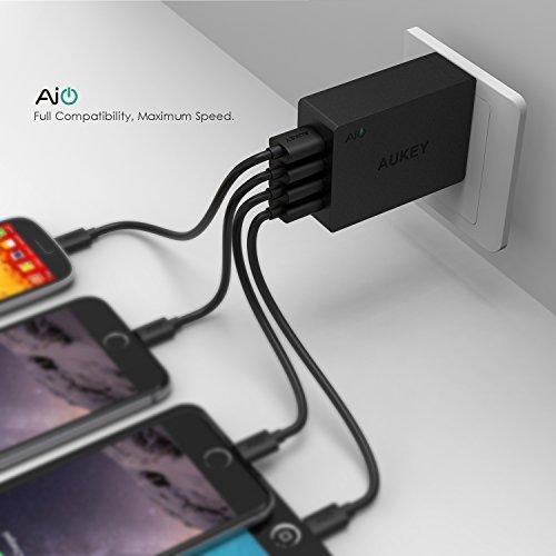 Aukey 40W / 8A 4口智能快速充电器 13.59元限量特卖,原价 16.99元