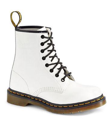 Gigi街拍同款!Dr. Martens马丁靴 82.5加元(9码),原价 165加元