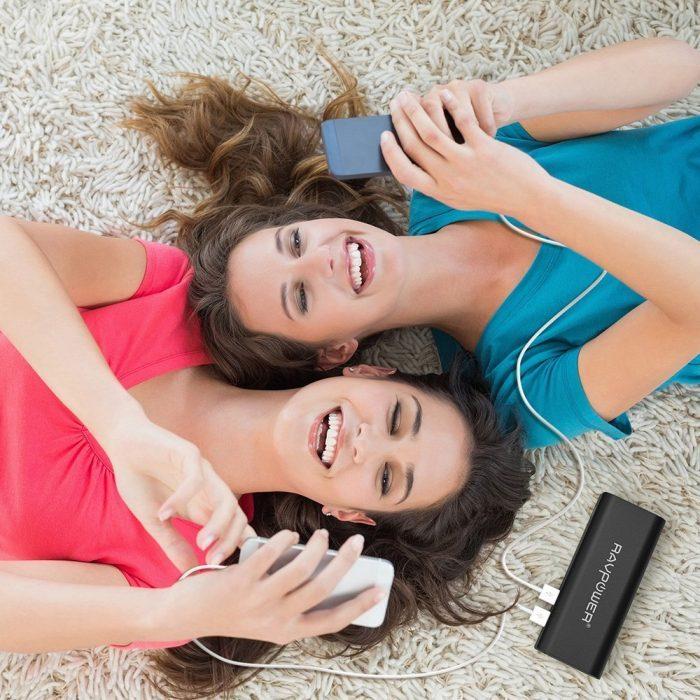 RAVPower 睿能宝 10400mAh 3.5A 便携式移动电源充电宝 19.19元限量特卖(2色可选),原价 29.99元
