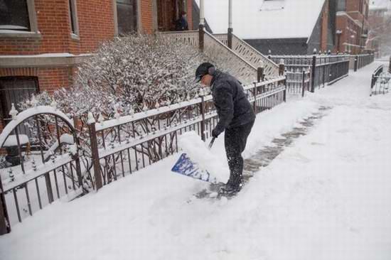 史上最全加拿大超实用铲雪经验、工具选择吐血大总结!人工铲雪必备神器 Yukon Ergo EPSS24 24寸雪橇铲2.9折 23.5元限时清仓!