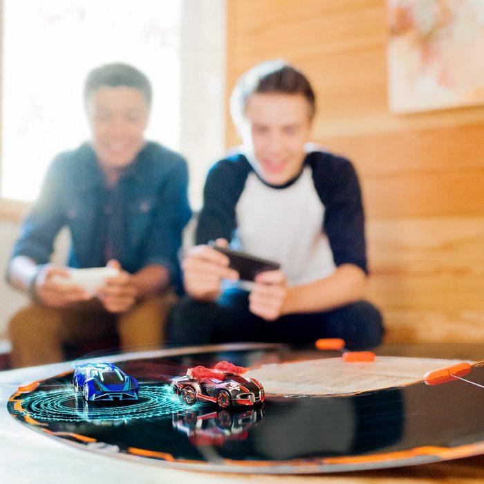 与机器人比赛!Anki Overdrive 智能机器人赛车+跑道套装 159.99元,原价 199.99元,包邮