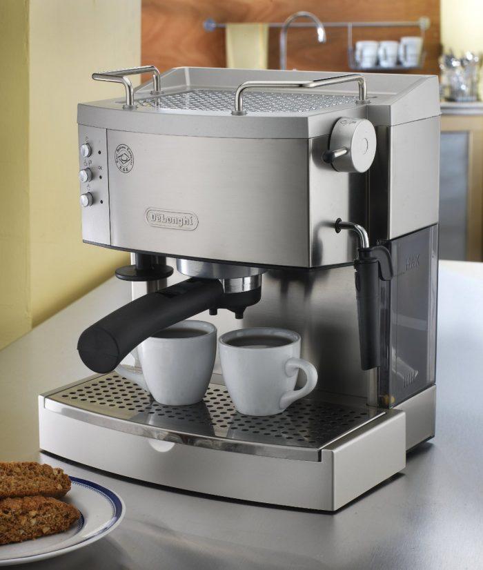 DeLonghi EC702 意式双泵咖啡机 188.99元,原价 363元,包邮