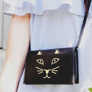 Charlotte Olympia 夏洛特·奥林匹亚 Feline 黑色猫咪包 472元,原价 890元,包邮
