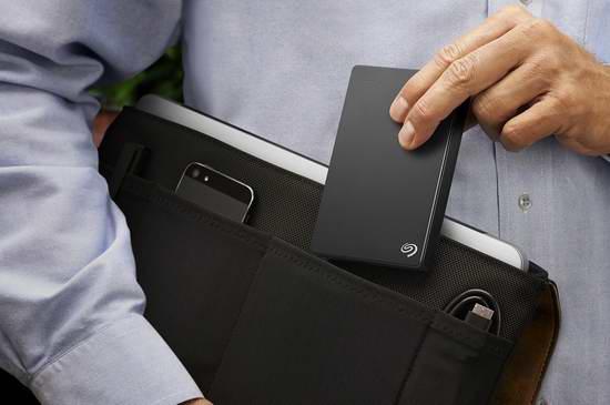 历史新低!Seagate 希捷 Backup Plus 4TB 超薄便携式移动硬盘5.6折 135.76加元包邮!