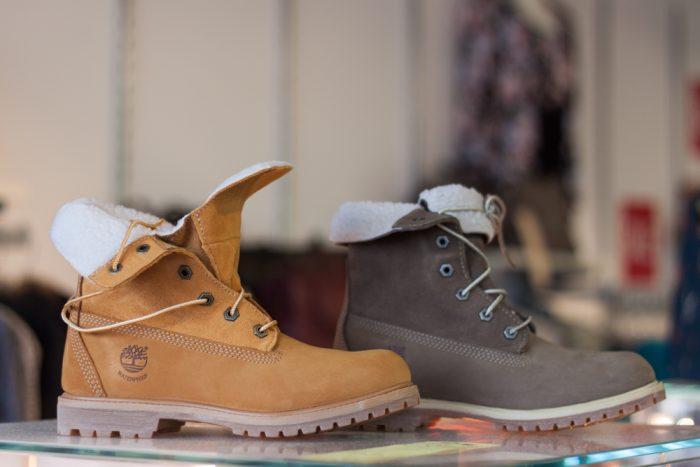 精选 6款 Timberland 添柏岚女款短靴 4折起特卖,最低 64元!