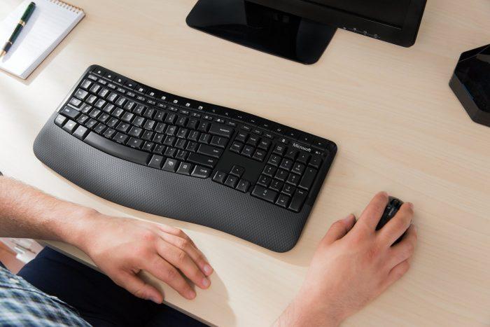 Microsoft 微软5050 无线键盘+鼠标套装 65.59加元限量特卖,原价 89.95加元,包邮