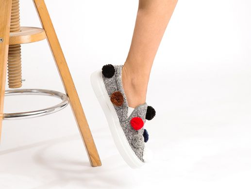 JOSHUA SANDERS萌萌哒一脚蹬毛球鞋 170元(6码),原价 425元,包邮