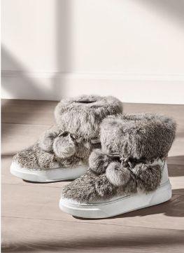 时尚有型!Michael Kors Nala Fur and Calf 兔毛高帮雪地靴 199加元,原价 298加元,包邮