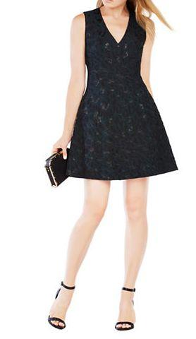 BCBGMAXAZRIA Hannelli V领连衣裙 270加元(8,10,12码),原价 387加元,包邮
