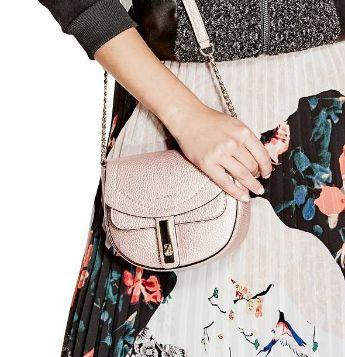 精选大量 Kipling、Guess、Calvin Klein、Lesportsac 等品牌女式时尚美包、钱包1.8折起限时抢购!售价低至10.5加元!