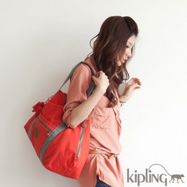 速抢!精选19款 Kipling 猩猩美包全部4折限时特卖!售价低至29.6加元!HBC卡用户额外8.5折!