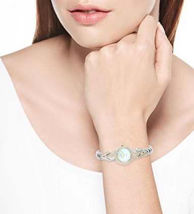 历史新低!Seiko 日本精工 SUP174 女士施华洛世奇水晶 光动能腕表5.2折 166.54加元限时特卖并包邮!