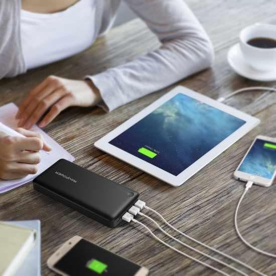 销量冠军!RAVPower 26800mAh 智能快充 3口移动电源/充电宝 39.99加元包邮!送价值29.99加元Micro USB数据线5件套!