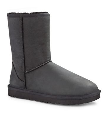 UGG 经典雪鞋 120加元(6码),原价 240加元,包邮