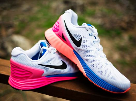 精选数百款款 Nike 耐克 成人儿童运动服饰、运动鞋4折起限时特卖,售价低至10.8加元!
