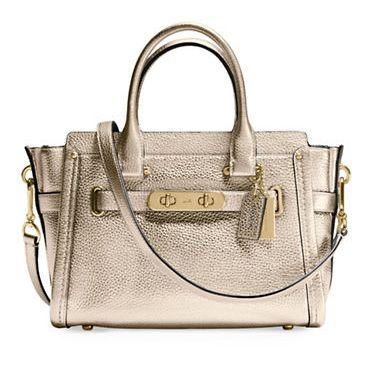 COACH Swagger 女士时尚手提包 296.8加元,原价 530加元,包邮