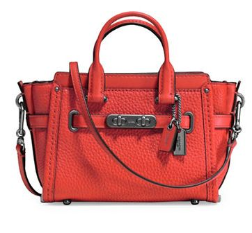 COACH Swagger 15 橘红色手提包 177加元,原价 295加元,包邮