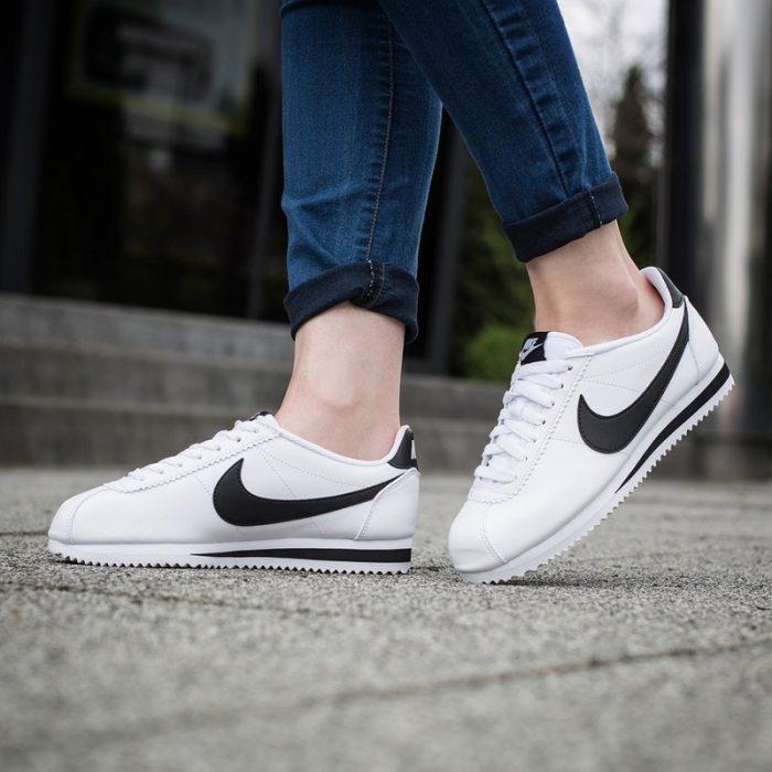 Nike 耐克 Classic Cortez 女款经典黑白阿甘鞋 57-60.59加元,原价 95加元,或HBC信用卡用户满150加元立减50加元!
