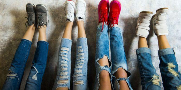 精选 Levi's, Calvin Klein, Guess等品牌牛仔裤 69.99 加元起特卖,额外享受 8-8.5折优惠!