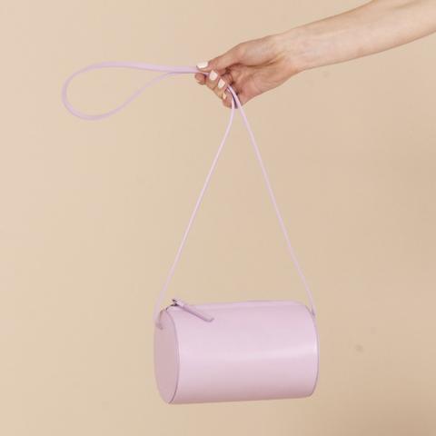 简约风!Building Block粉色圆筒包 217加元,原价 530加元,包邮