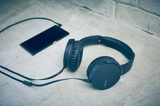 历史新低!Sony 索尼 MDRXB550AP/B 超重低音头戴式耳机5折 39.99加元限时特卖并包邮!