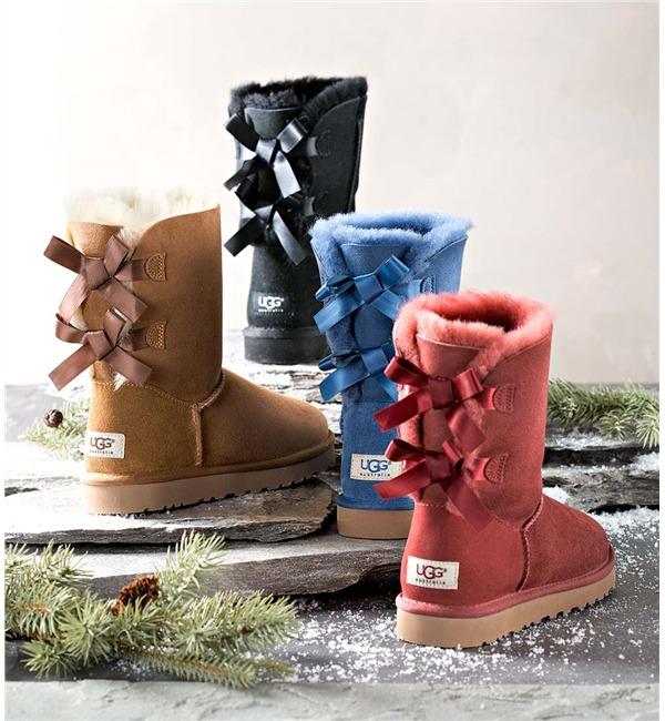 UGG 经典蝴蝶结雪地靴 102.63加元(多色可选),原价 266.5加元,会员专享!