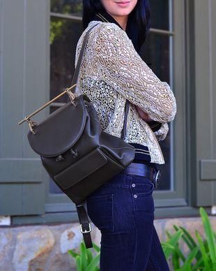 又降了!Kendall Jenner 同款!M2Malletier 黑色双肩包 1211加元,原价 2125加元,包邮