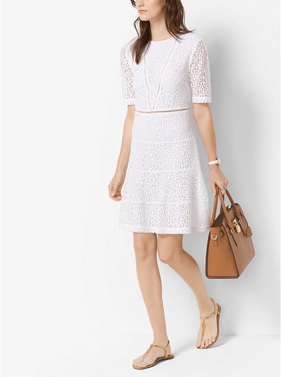 Michael Kors Leopard Lace 短袖蕾丝镂空修身显瘦连衣裙 149加元,原价 250加元,包邮