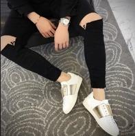 精选多款Valentino男款小白鞋,潮鞋 208加元起特卖!