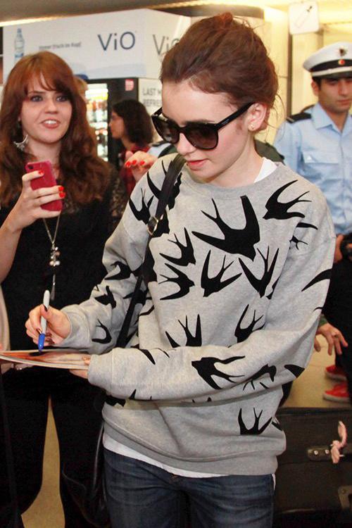 精选多款 McQ Alexander McQueen火到没朋友的小燕子系列毛衣 5.6折 180加元起特卖!