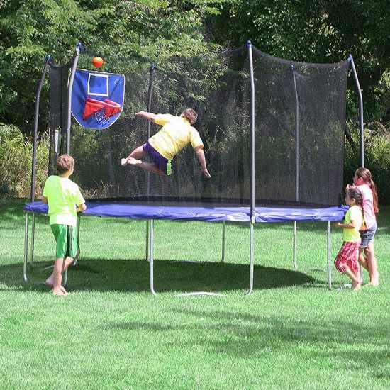 Skywalker Trampolines Jump N' Dunk 15英尺带保护罩+篮球框 封闭蹦床 313.99加元包邮!