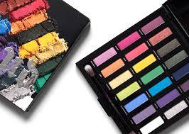 Urban Decay Full Spectrum 21色彩虹眼影盘 57加元,原价 80加元,包邮