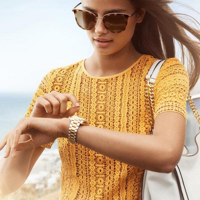 魅力简约装!Michael Kors Crochet 钩针花边连衣裙 74.25加元,原价 295加元,包邮