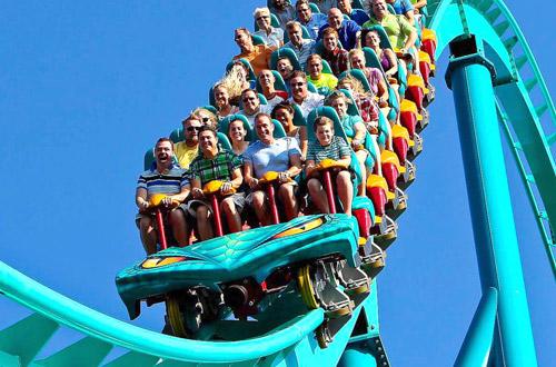 Canada's Wonderland 奇幻乐园 2018季票 69.99加元特卖,新用户送今年单日门票,续费送今年Fast Lane Plus+亲友单日门票!