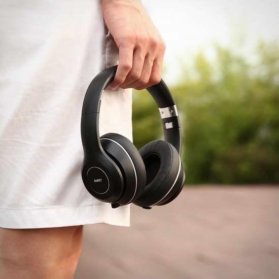 历史新低!Aukey EP-B52 可折叠头戴式蓝牙耳机 48.99加元包邮!