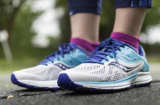 速抢!新品 Saucony Ride 10 次顶级缓震 女士跑鞋2.4折 38.23加元起包邮!两色可选!