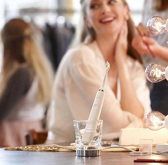 黑五专享!历史新低!Philips 飞利浦 Sonicare DiamondClean 钻石亮白系列智能电动牙刷 132.99加元包邮!
