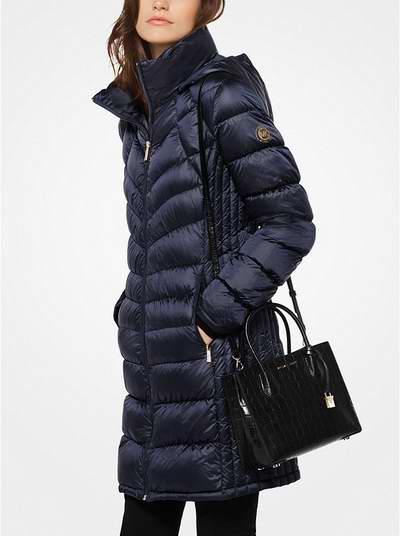 Michael Kors Quilted-Nylon 束腰羽绒服 149.25加元,原价 250加元,包邮